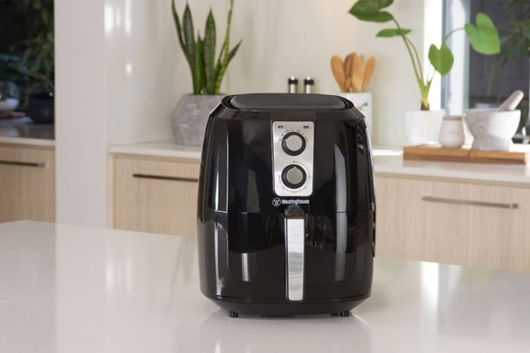 Westinghouse 5.2L 1800W Opti-Fry Air Fryer - Black
