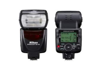 New Nikon Speedlight SB-700 SB700 FLASH D90 D7000 (FREE DELIVERY + 1 YEAR AU WARRANTY)