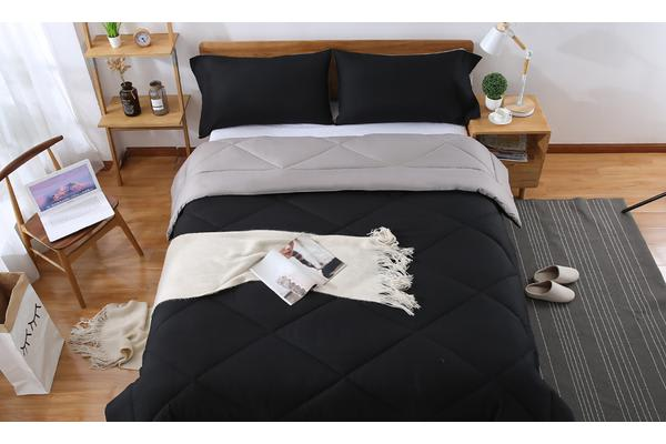 Microfibre Reversible Comforter Set Variant Size BLACK+GREY - Double