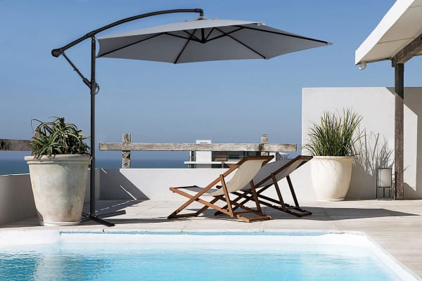 Milano 3 Metre Cantilever Outdoor Umbrella with Bonus Protective Cover (Grey)