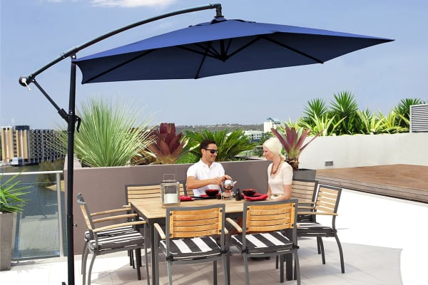 Milano 3 Metre Cantilever Outdoor Umbrella With Bonus Protective Cover (Navy )