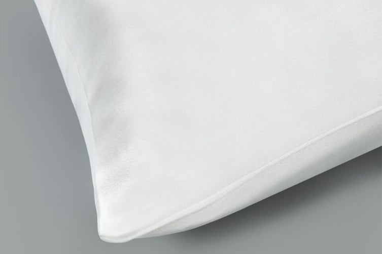 Ovela Set of 2 Mulberry Silk Pillowcases (White)