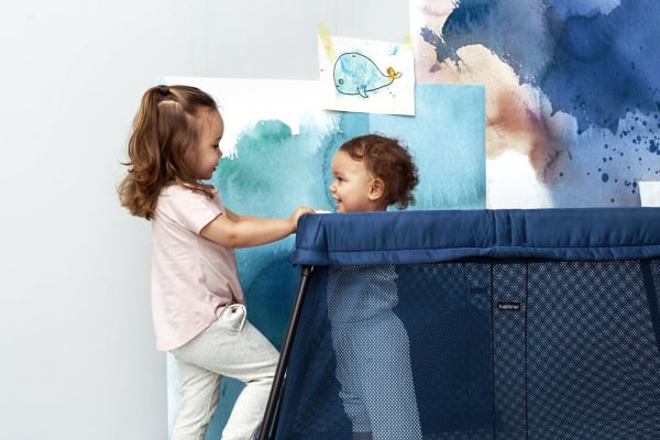 BabyBjorn Travel Cot Light (Great Blue Whale Mesh)