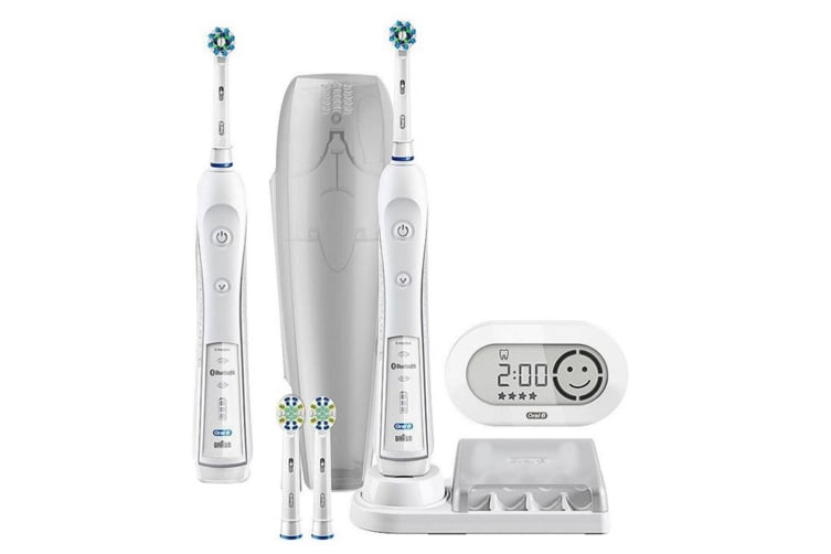 Oral-B Pro 5000 Electric Rechargeable Toothbrush w/Bluetooth/Sensor/APP/Value PK