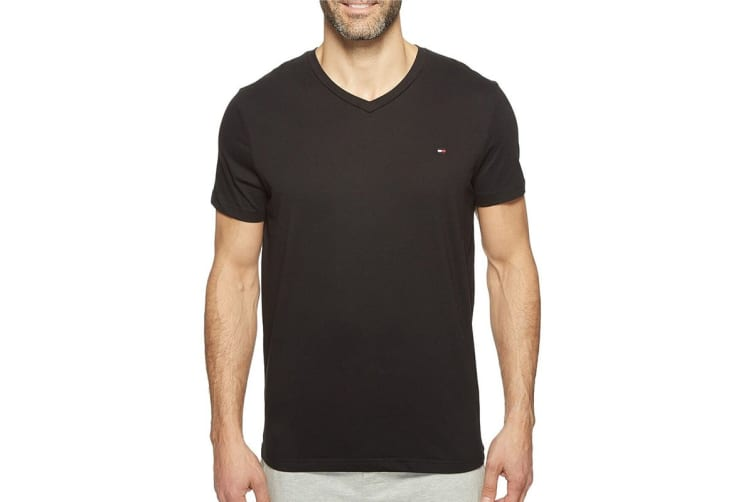Tommy Hilfiger Men's V-Neck Flag Tee (Black, Size XL)