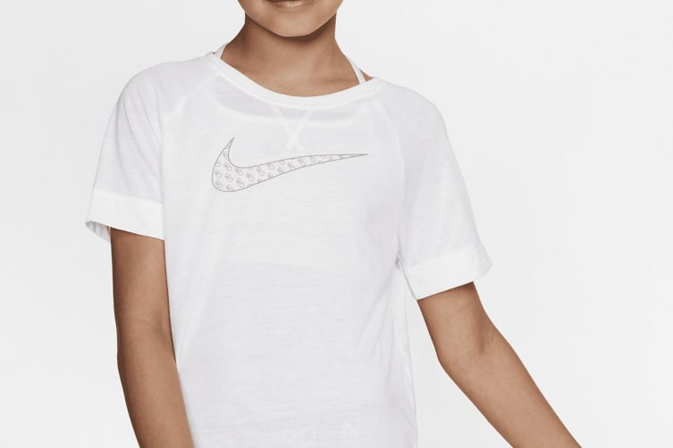 Nike Girls' Dri-Fit Trophy Graphics Tees (White, Size XS)