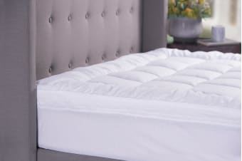Sheraton Sanctuary Down Alternative 800GSM Mattress Topper (Queen)