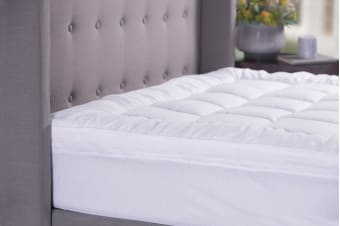 Sheraton Sanctuary Down Alternative 800GSM Mattress Topper (King)