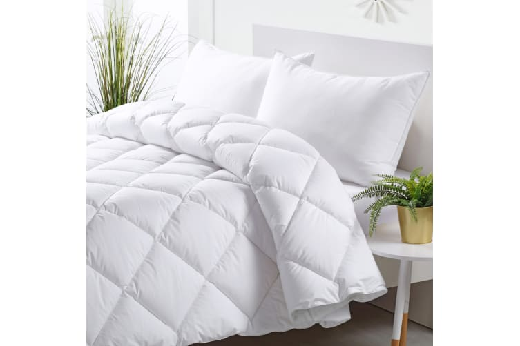 Dreamaker Eco Range REPREVE 450gsm Quilt King Bed
