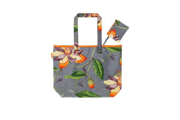 Ulster Weavers RHS Passiflora Oil Cloth Bag w/ Purse