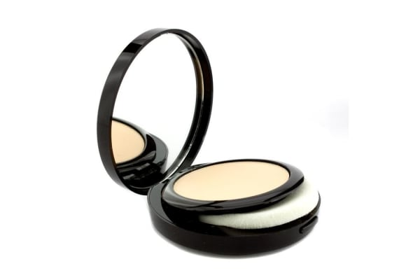Laura Mercier Smooth Finish Foundation Powder - 01 (Light Beige With Yellow Undertone) (9.2g/0.3oz)