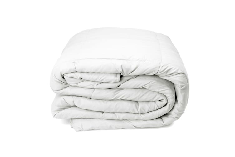 Royal Comfort Pure Soft Deluxe 50% Duck Feather and 50% Down Quilt (Queen)