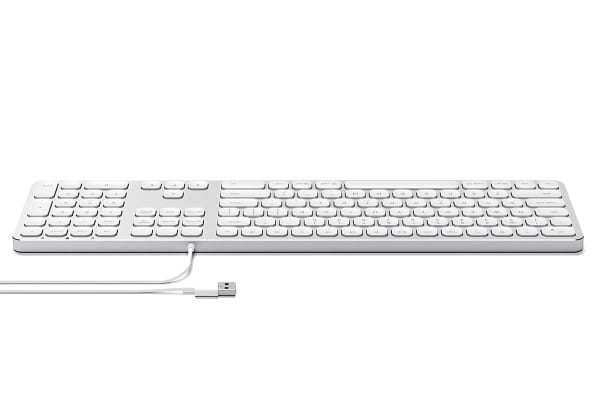 dick smith satechi wired keyboard for mac silver usb hubs memory card readers. Black Bedroom Furniture Sets. Home Design Ideas