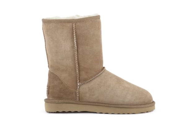 Outback Ugg Boots Short Classic - Premium Sheepskin (Chestnut, Size 10M / 11W US)