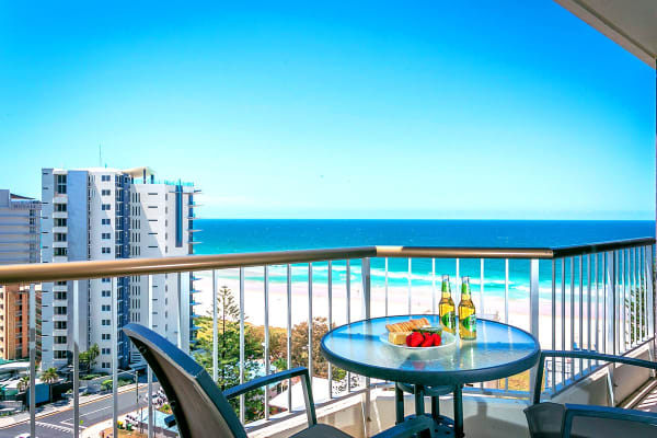 GOLD COAST: 5 Nights at Surfers Beachside Apartments Including Flights for Four (Departing SYD)
