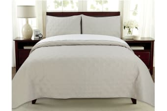 Ardor Boudoir Oxford Coverlet (Latte/White, Queen/King)