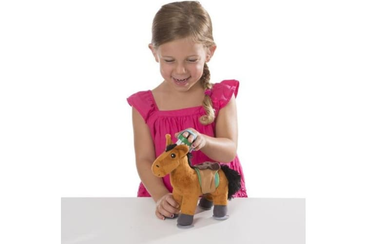 Melissa and Doug Feed and Groom Horse Care Play Set