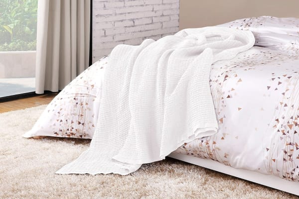 Ovela Cotton Waffle Weave Blanket (Queen/King, White)