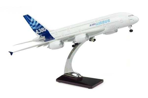 Airbus A380 1:200 Model
