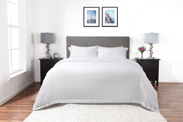 Ovela 1000TC Cotton Rich Luxury Quilt Cover Set (Queen, White)