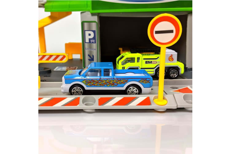 Build Your Own Petrol Station Playset with 2 Diecast Cars