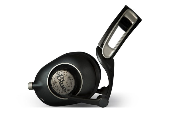 Blue Sadie Sealed Over-Ear Premium Headphone - Black (90021765)