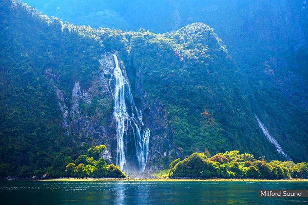 NEW ZEALAND: 9 Day New Zealand Cruise Including Flights for Two (Ocean View Cabin)