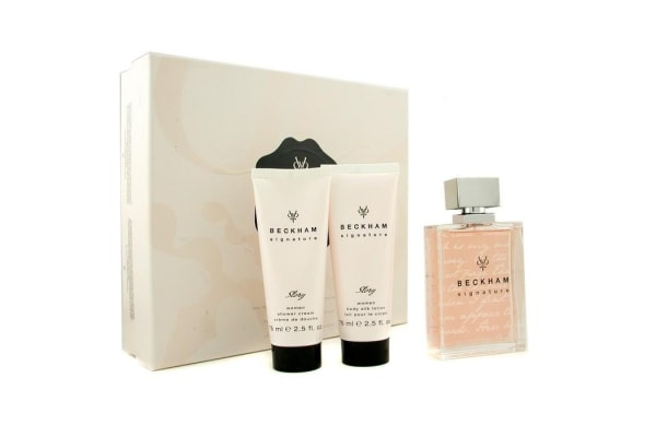 David Beckham Signature Story For Her Coffret: Edt Spray 75ml/2.5oz + Body Lotion 75ml/2.5oz + Shower Gel 75ml/2.5oz (3pcs)