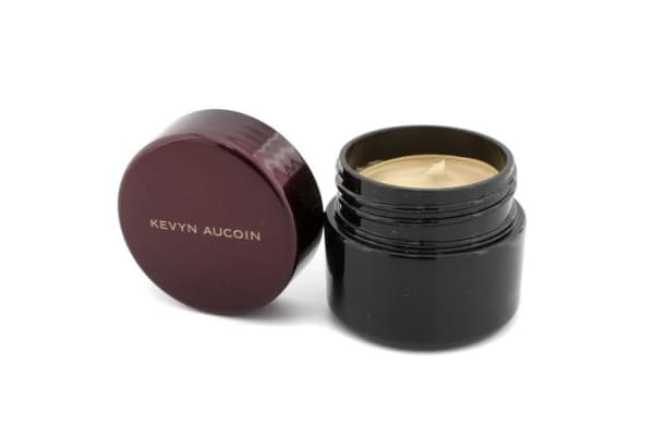 Kevyn Aucoin The Sensual Skin Enhancer - # SX 04 (Light Shade with Slight Yellow Undertones) (18g/0.63oz)