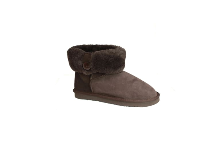 Eastern Counties Leather Womens/Ladies Freya Cuff And Button Sheepskin Boots (Chocolate) (6 UK)