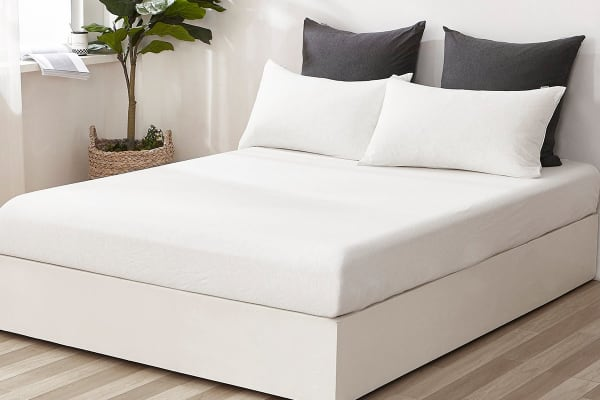 Gioia Casa Jersey Cotton Fitted Sheet (King/White Marble)