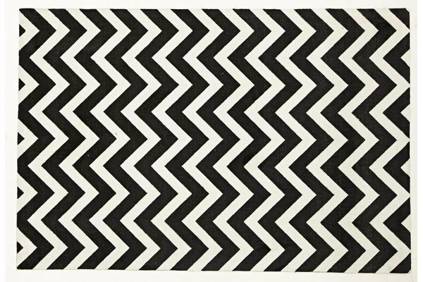 Stunning Chevron Design Rug Black White 280x190cm