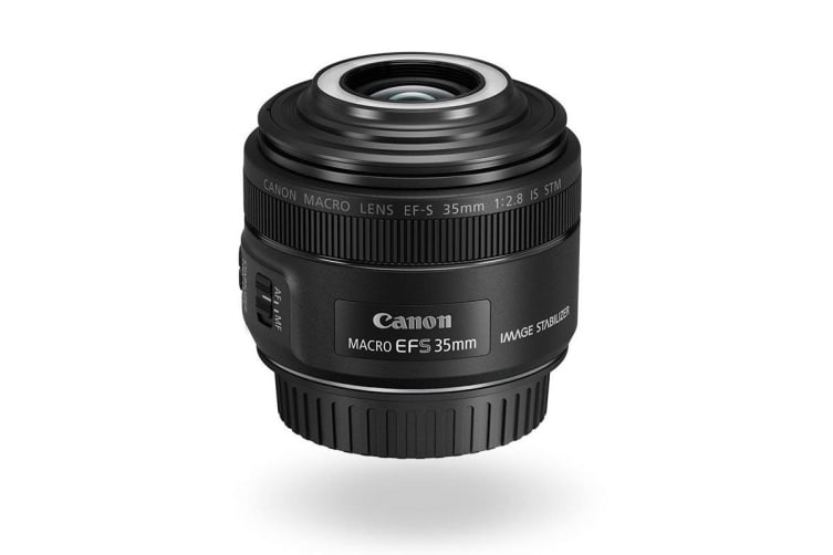 Canon EF-S 35MM f/2.8 IS STM Macro Lens with Macro Lite (EFS3528M)