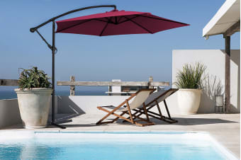 Milano 3 Metre Cantilever Outdoor Umbrella with Bonus Protective Cover (Crimson)