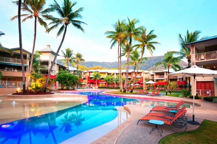 PALM COVE: 5 Nights at Mantra Amphora in a Hotel Spa Room with Flights for Two (Departing PER)