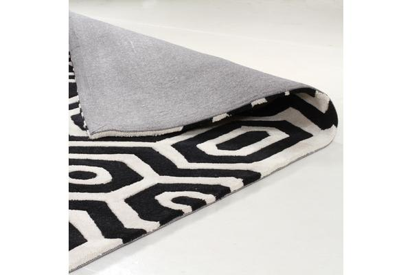 Honey Comb Black Off White Rug 200x200cm